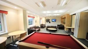 My-Room-Gallery-JLEC-Games-Area-550x309mm-c04baef3-2c77-4fde-983a-5ff339e1c828-1-1559x876